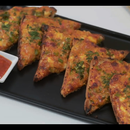 Chilli Paneer Cheese Toast